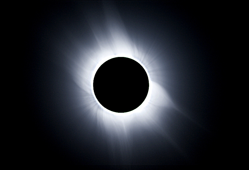 Total solar eclispe with corona